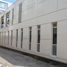 Aluminium kozijnen en gevelbeplating gemonteerd door Montagenzo
